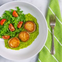 Seared Scallops with Pea Pesto